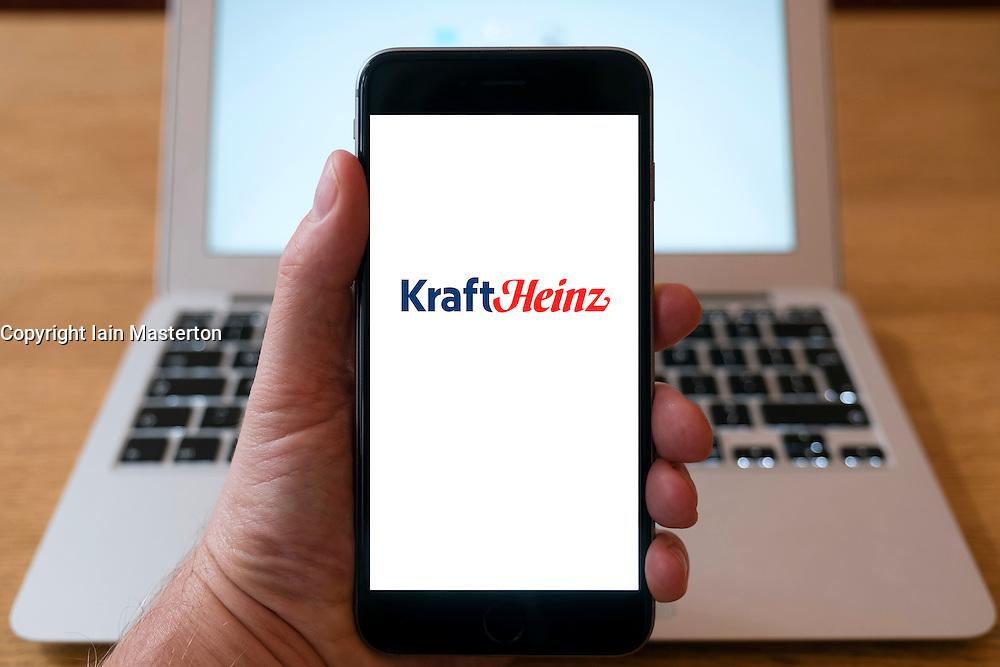 KraftHeinz company website on smart phone screen.