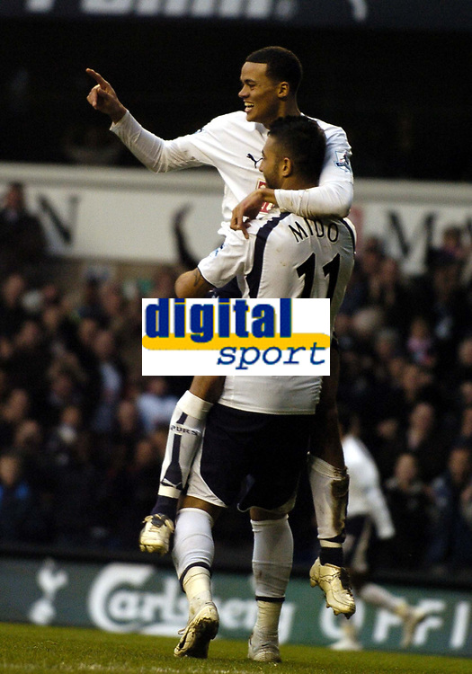 Photo: Olly Greenwood.<br />Tottenham Hotspur v Southend United. The FA Cup. 27/01/2007. Spurs' Jermaine Jenas celebrates scoring with Mido