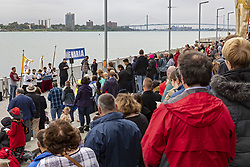 October 7, 2018 - Detroit, Michigan, U.S. - Detroit, Michigan USA - 7 October 2018 - Catholic gather at the Detroit River, the international border with Canada, to pray the rosary. It was part of Rosary Coast to Coast, during which about 1,000 Catholic groups gathered at U.S. coasts, borders, and other public places to pray the rosary. (Credit Image: © Jim West/ZUMA Wire)