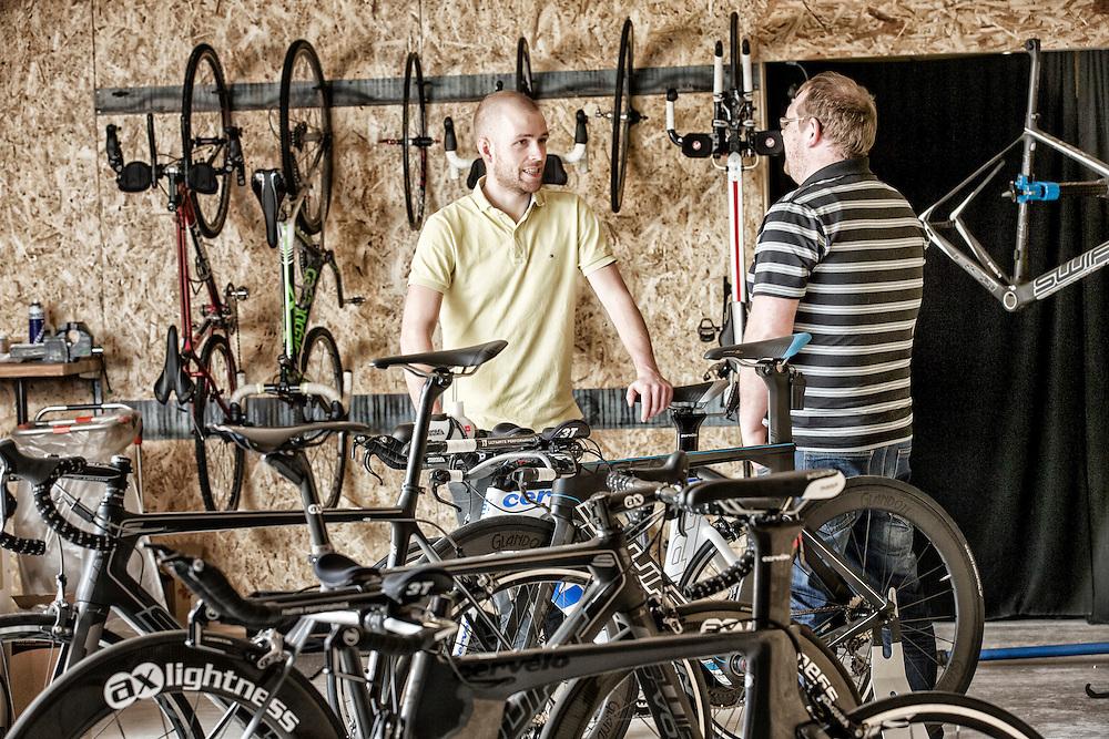Virksomheden Triudstyr i Herning her er det deres showroom i Herning. Hvor de blandt andet sælger cykler, våddragte og andet udstyr til triatlon