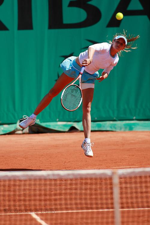 Roland Garros. Paris, France. June 2nd 2006..Zuzana Ondraskova against Martina Hingis.