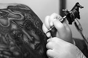 Belo Horizonte_MG, 02 de Abril de 2011..1 BH TATTOO CONVENTION..Fotos da primeira edicao do BH Tattoo Convention no centro de convencoes,Minas Centro. O evento reuniu tatuadores,convidados, e participantes de varios estados.Paralelo ao festival aconteceu o concurso que premiou melhores tatuagens na categorias: Coloridas,Orientais,New e Old School, e P&B...FOTO: MARCUS DESIMONI / NITRO.....