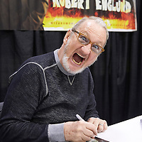 MINNEAPOLIS, MN - MAY3: Actor Robert Englund poses during an autograph session at the first Wizard World Comic Con at the Minneapolis Convention Center on May 3, 2014 in Minneapolis, Minnesota. (Photo by Adam Bettcher/Getty Images) *** Local Caption ***  Robert Englund