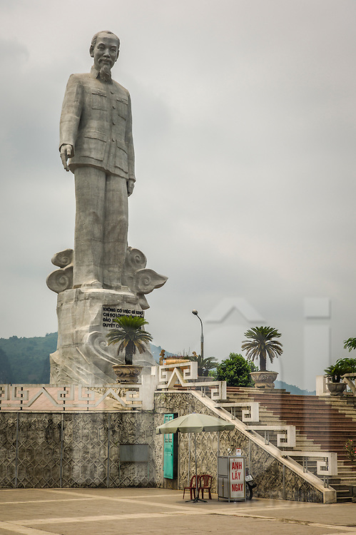 Massive 18 meter high statue of Ho Chi Minh on top of Tuong Hill overlooking the Hoa Binh dam, Vietnam Southeast Asia