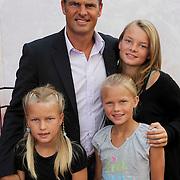 NLD/Amsterdam/20080716 - Premiere Wall-E, Frank de Boer en dochters Romy, Jacky, Beau
