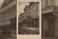 Zagreb : Glazbeni zavod = Salle de Musique. <br /> <br /> ImpresumZagreb : Elmira König Ausgabe, [1910].<br /> Materijalni opis1 razglednica : tisak ; 9 x 13,9 cm.<br /> NakladnikElmira König Ausgabe<br /> Mjesto izdavanjaZagreb<br /> Vrstavizualna građa • razglednice<br /> ZbirkaGrafička zbirka NSK • Zbirka razglednica<br /> Formatimage/jpeg<br /> PredmetZagreb –– Ulica Ivana Gundulića<br /> SignaturaRZG-GUND-2<br /> Obuhvat(vremenski)20. stoljeće<br /> NapomenaRazglednica je putovala 1910. godine.<br /> PravaJavno dobro<br /> Identifikatori000954623<br /> NBN.HRNBN: urn:nbn:hr:238:030445 <br /> <br /> Izvor: Digitalne zbirke Nacionalne i sveučilišne knjižnice u Zagrebu