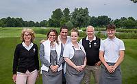 HALFWEG - caddiemasters Helen Roozendaal  en Mike Janmaat , met de bezetting Brasserie de Bauduin met Jolanda en Richard van der Veldt   Amsterdamse Golf Club (AGC).   COPYRIGHT KOEN SUYK