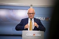 DEU, Deutschland, Germany, Berlin, 07.09.2018: Pressekonferenz nach der Klausurtagung der CDU/CSU-Bundestagsfraktion. Volker Kauder, Vorsitzender der CDU/CSU-Bundestagsfraktion.
