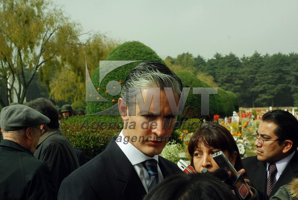 Toluca, Mex.- Alfredo del Mazo Maza, secretario de Turismo,  durante la ceremonia del tercer aniversario luctuoso de Jorge Jiménez Cantú, ex gobernador del estado de México. Agencia MVT / José Hernández. (DIGITAL)<br /> <br /> <br /> <br /> NO ARCHIVAR - NO ARCHIVE