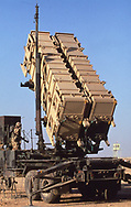 Gulf War One:   Patroit Missiles being installed  near an air force base in  Saudi Arabia at the beginning of the build up of USA troops in <br /> August 1990.<br /> <br /> Photograph ny Dennis Brack. bb78