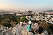 Griekenland, Athene, 5-7-2008Uitzicht op de stad en akropolis bij zonsondergang. LandschapFoto: Flip Franssen