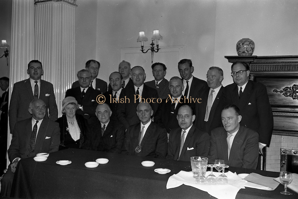 19/10/1962<br /> 10/19/1962<br /> 19 October 1962<br /> Irish Hotels Federation Annual General Meeting. The 25th Annual general Meeting of the Irish Hotels Federation was held in the Shelbourne Hotel, Dublin. Picture shows the newly elected committee: Front Row (l-r): Mr. W. Car(v)ey; Mrs D. Macken; Mr. M. O'Carroll; Mr. T. O'Sullivan, President; Mr. D. McCaughey and Mr. D. Murnane. Included here:Mr. R.Fitzpatrick;Mr. P. Huntley; Mr. K. Besson; Mr. F.X. Burke; Mr. L. Ryan; Mr. B. McDonnell; Mr. D. Walshe; Capt. P. Jury; Mr. C. Andrews; Mr. T.F. Maher and Mr D. Vance.