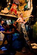 Ouro Preto _ MG, 16 Janeiro de 2008..FOLHA SAO PAULO.ESPECIAL - CRISE CARCERARIA EM MINAS..Carceragem municipal de Ouro Preto. Apesar do estado ja citar que a cadeia ja esta em obras, ainda apresenta muitos problemas...Grandes falhas de seguranca: Somente dois os policiais cuidam da cadeia, um civil (turno de 24 horas) e um militar (turno de 8 horas). SuperlotaÌão 170 presos, cuja capacidade sao 80...Na imagem, interior de uma cela...FOTO: BRUNO MAGALHAES / AGENCIA NITRO / FOLHA IMAGEM
