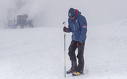 08.05.2019, Hochtor, Fusch, AUT, Schneeraeumung auf der Grossglockner Hochalpenstrasse, im Bild ein Arbeiter der Grossglockner Hochalpenstrasse kontrolliert die Schneehöhe // Workers of the Grossglockner High Alpine Road controls the snow depth during the yearly snow removal of the Grossglockner High Alpine Road before the Season Opening at the Hochtor in Fusch, Austria on 2019/05/08. EXPA Pictures © 2019, PhotoCredit: EXPA/ JFK