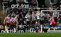 Photo: Andrew Unwin.<br /> Newcastle United v Sheffield United. The Barclays Premiership. 04/11/2006.<br /> Sheffield United's Alan Quinn (1 from L) takes a free-kick.