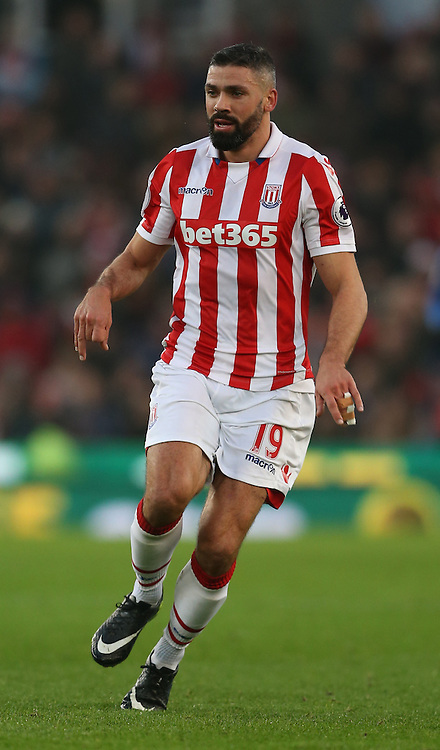 Jonathan Walters of Stoke City during the English Premier League match at the Bet 365 Stadium, Stoke on Trent. Picture date: December 17th, 2016. Pic Simon Bellis/Sportimage