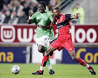 Fotball<br /> Frankrike 2004/05<br /> Rennes v Saint Etienne<br /> 17. april 2005<br /> Foto: Digitalsport<br /> NORWAY ONLY<br /> DIDIER ZOKORA (ST-E) / ABDESLAM OUADDOU (REN)
