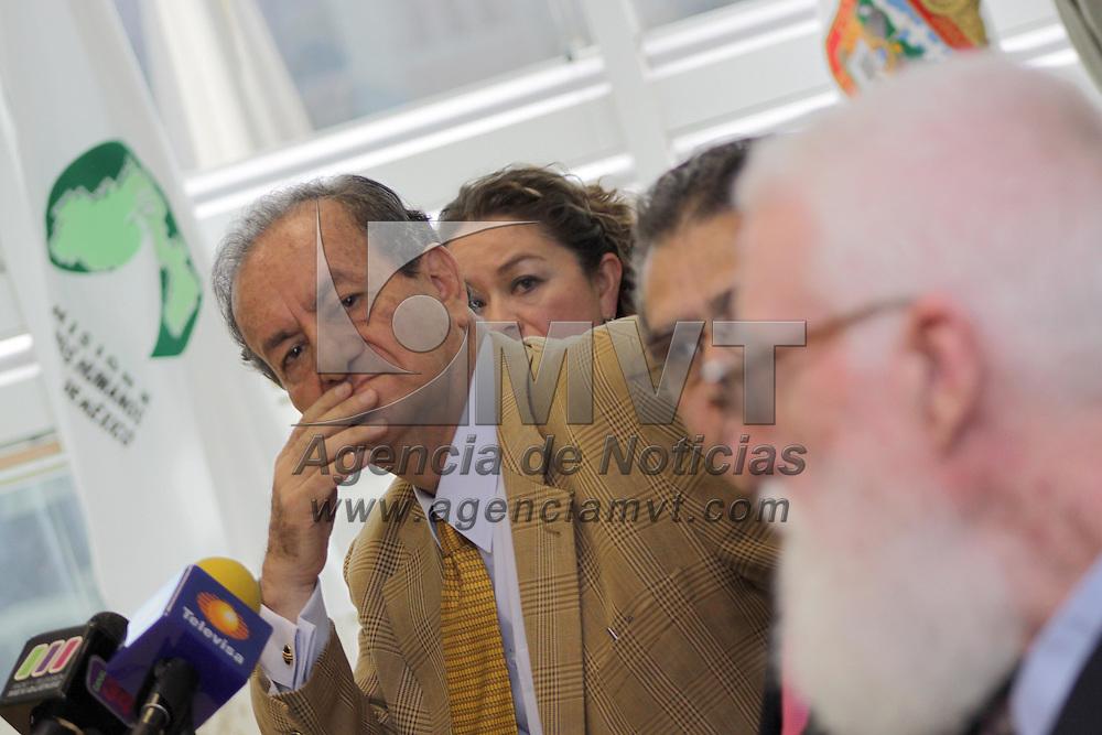 TOLUCA, México.- El comisionado de Derechos Humanos del Estado de México, Marco Antonio Morales Gómez, destacó que se buscarán los mecanismos necesarios para fortalecer la difusión sobre la cultura de los derechos humanos en toda la población mexiquense, recalco que estará pendiente que no exista violación a los derechos de los estudiantes en todos los niveles. Agencia MVT / Crisanta Espinosa. (DIGITAL)