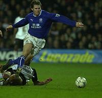 10/01/2004 - Photo  Peter Spurrier<br /> 2003/04 Barclaycard Premiership Fulham v Everton <br /> Everton's Kevin Kilbane on the attack