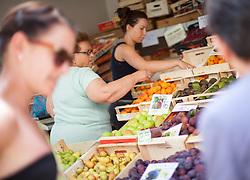 THEMENBILD - URLAUB IN KROATIEN, Kunden beim Kauf von frischen Obst, aufgenommen am 01.07.2014 in Porec, Kroatien // Customers who buy fresh fruits at the Market in Porec, Croatia on 2014/07/01. EXPA Pictures © 2014, PhotoCredit: EXPA/ JFK