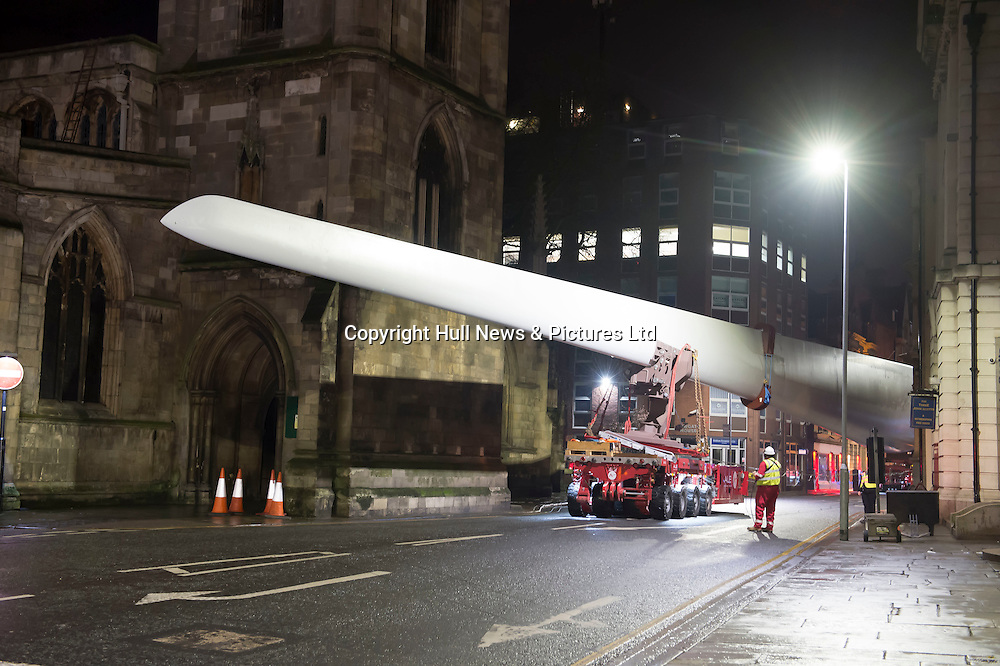 8 January 2017: A 75metre Siemens wind turbine blade is moved through Hull City centre in the early hours of this morning where it will become an art installation in Queen Victoria Square. The artist is Nayan Kulkarni and it is part of the Look Up programme of major commissions for Hull UK City of Culture 2017.<br /> Picture: Sean Spencer/Hull News & Pictures Ltd<br /> 01482 210267/07976 433960<br /> www.hullnews.co.uk         sean@hullnews.co.uk