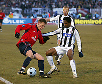 Fotball<br /> Foto: imago/Digitalsport<br /> NORWAY ONLY<br /> <br /> 10.03.2005  <br /> <br /> Milos Krasic (ZSKA Moskau, li. / CSKA Moskva) gegen Ifeany Emeghara (re.), dahinter Ivan Tomic (beide Partizan Belgrad / Beograd)