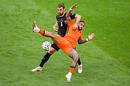 Aleksandar Dragovic of Austria, Memphis Depay of the Netherlands during the UEFA Euro 2020, Group C football match between Netherlands and Austria on June 17, 2021 at the Johan Cruijff ArenA in Amsterdam, Netherlands - Photo Marcel ter Bals / Orange Pictures / ProSportsImages / DPPI