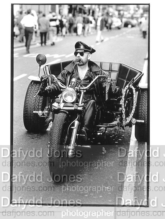 Old Compton St. London. 13 September 1996. © Copyright Photograph by Dafydd Jones 66 Stockwell Park Rd. London SW9 0DA Tel 020 7733 0108 www.dafjones.com
