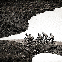 Frankrijk, Le Galibier, 13-06-2011.<br /> Training Rabobank wielerploeg. <br /> Foto : Klaas Jan van der Weij