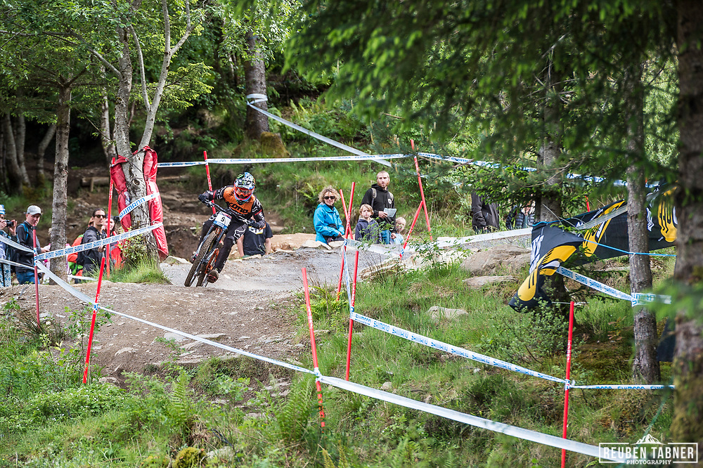 Connor Fearon steps on the gas during his race run at the UCI Mountain Bike World Cup in Fort William.