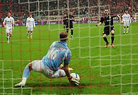 Fotball<br /> 24.04.2008<br /> Foto: Witters/Digitalsport<br /> NORWAY ONLY<br /> <br /> Elfmeter Franck Ribery Bayern scheitert zunaechst an Torwart Vyacheslav Malafeev<br /> <br /> UEFA-Cup Halbfinale  FC Bayern München - FC Zenit St.Petersburg
