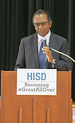 Sonima Foundation Executive Director Eugene Ruffin addresses parents and participating Oak Forest Elementary students at the kick off of the Sonima Foundation Health and Wellness program with HISD on 09/23/14. ( photo by Kim Christensen)