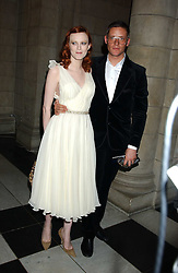 Model KAREN ELSON and designer GILES DEACON at the 2005 British Fashion Awards held at The V&A museum, London on 10th November 2005.<br /><br />NON EXCLUSIVE - WORLD RIGHTS