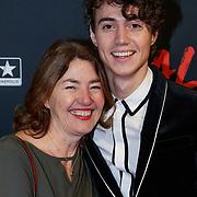 NLD/Utrecht/20190114 - Premiere Vals, Nick Roozen en zijn moeder