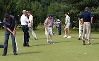 LEUSDEN - puttingreen; Stern Open 2003 op de Hoge Kleij. COPYRIGHT KOEN SUYK
