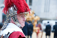 The Lord Mayor's Show, London, UK (9 November 2013). The Pikemen and Musketeers of the Honourable Artillery Company, who form the personal guard of the Lord Mayor of London on ceremonial occasions, in Guildhall Yard before the procession.<br /> In a tradition stretching back almost 800 years and enshrined in a charter by King John, the Lord Mayor's Show sees the new Lord Mayor of London travel across the City of London from Guildhall to Mansion House, Bank, St Paul's Cathedral and the Royal Courts of Justice - where he or she is required to swear an oath of allegiance to the Sovereign - before returning to Mansion House. The Mayor travels (in a supremely elaborate 18th century stately coach) with a procession stretching some three miles and including over 6,000 people, with hundreds of vehicles and floats. Fiona Woolf CBE, elected 686th Lord Mayor of London in 2013, is only the second woman to hold the post in its 800 year history, following in the footsteps of Mary Donaldson (Lord Mayor of London in 1983).