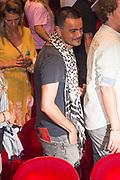 Premiere van de theatershow Hier is de Mol van Johnny de Mol in DeLaMar Theater, Amsterdam.<br /> <br /> Op de foto: Dinand Woesthoff