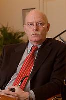 15 JAN 2003, BERLIN/GERMANY:<br /> Peter Struck, SPD, Bundesverteidigungsminister, mit Pfeife, waehrend einem Interview, in seinem Buero, Bundesministerium der Verteidigung<br /> Peter Struck, Federal Minister of Defense, during an interview, in his office<br /> IMAGE: 20030115-04-021