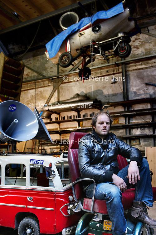 Nederland, Weesp , 6 januari 2012  Acteur Guido Pollemans. Was de zoon van Kees Prins in Overspel, en speelde d'n Dave in New Kids. Maakt beeldende performances en installaties. <br /> Foto:Jean-Pierre Jans