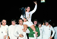 Fotball<br /> England <br /> Foto: Colorsport/Digitalsport<br /> NORWAY ONLY<br /> <br /> Alan Mullery (Spurs Captain) is chaired by his team mates,holding the UEFA Cup trophy. L to R. Alan Gilzean, Martin Peters, Mike England, Mullery, Pat Jennings, Joe Kinnear, Cyril Knowles. Tottenham Hotspur v Wolverhampton Wanderers. UEFA Cup Final 1972. 2nd leg @ White Hart Lane. 17/5/72