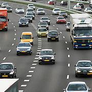 Nederland Rotterdam 1 september 2008 Foto: David Rozing .Avondspits op A16 E19 ter hoogte van Ijsselmonde, problemen met doorstroming ivm in en uitvoegend verkeer..Foto David Rozing