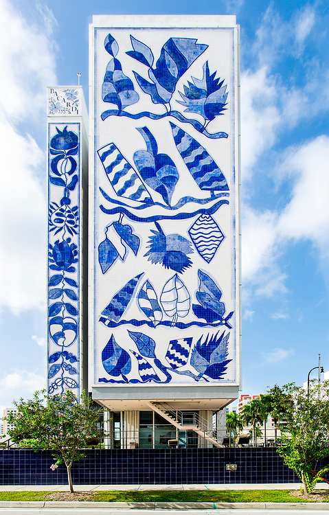 A huge mosaic designed by Brazilian painter and ceramicist Francisco Brennand on the south facade of Miami's Bacardi Tower. The building itself was designed in the Miami Modern (MiMo) style by the Puerto Rican architect Enrique Gutierrez in 1963.