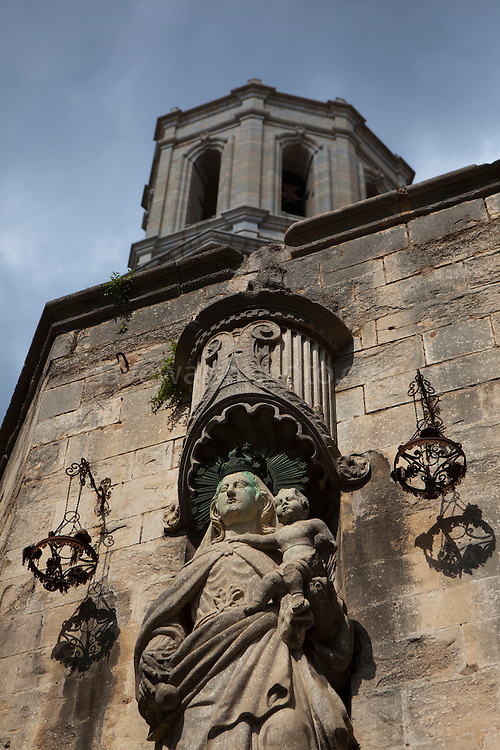 Statue at the Cathedral of Saint Mary of Girona, Catalonia, Spain. (c) 20014 Dave Walsh