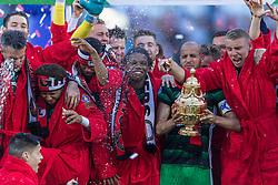 22-04-2018 NED: Bekerfinale AZ Alkmaar - Feyenoord, Rotterdam<br /> Feyenoord wint met 3-0 de bekerfinale van AZ / Feyenoord krijgt de beker uit handen van John de Wolf, Karim El Ahmadi #8 of Feyenoord, Sven van Beek #3 of Feyenoord, Tyrell Malacia #35 of Feyenoord