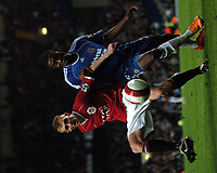 Photo: Tony Oudot.<br /> Chelsea v Manchester United. The Barclays Premiership. 09/05/2007.<br /> Darren Fletcher of Man Utd shields the ball from Salomon Kalou of Chelsea