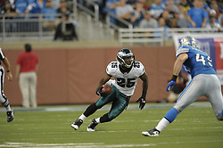 DETROIT - SEPTEMBER 19: Running back LeSean McCoy #25 of the Philadelphia Eagles during the game against the Detroit Lions on September 19, 2010 at Ford Field in Detroit, Michigan. (Photo by Drew Hallowell/Getty Images)  *** Local Caption *** LeSean McCoy