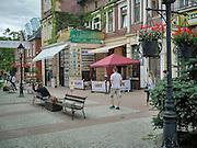 Kartuzy (woj. pomorskie), 2015-07-14. Deptak na ulicy Dworcowej