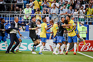 Roberto Firmino of Brazil celebrates after his goal with teammates during the 2018 FIFA World Cup Russia, round of 16 football match between Brazil and Mexico on July 2, 2018 at Samara Arena in Samara, Russia - Photo Thiago Bernardes / FramePhoto / ProSportsImages / DPPI