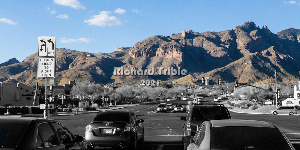 Intersection of Skyline and Campbell acing the Catalina Mountains.