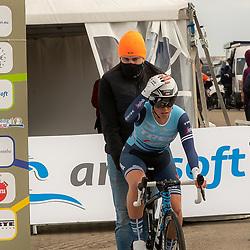 11-03-2021: Wielrennen: Healthy Ageing Tour: Lauwersoog.  <br />Shirin van Anrooij